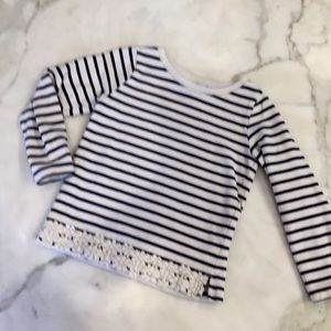 Carters striped snowflake trim sweat shirt Sz 6